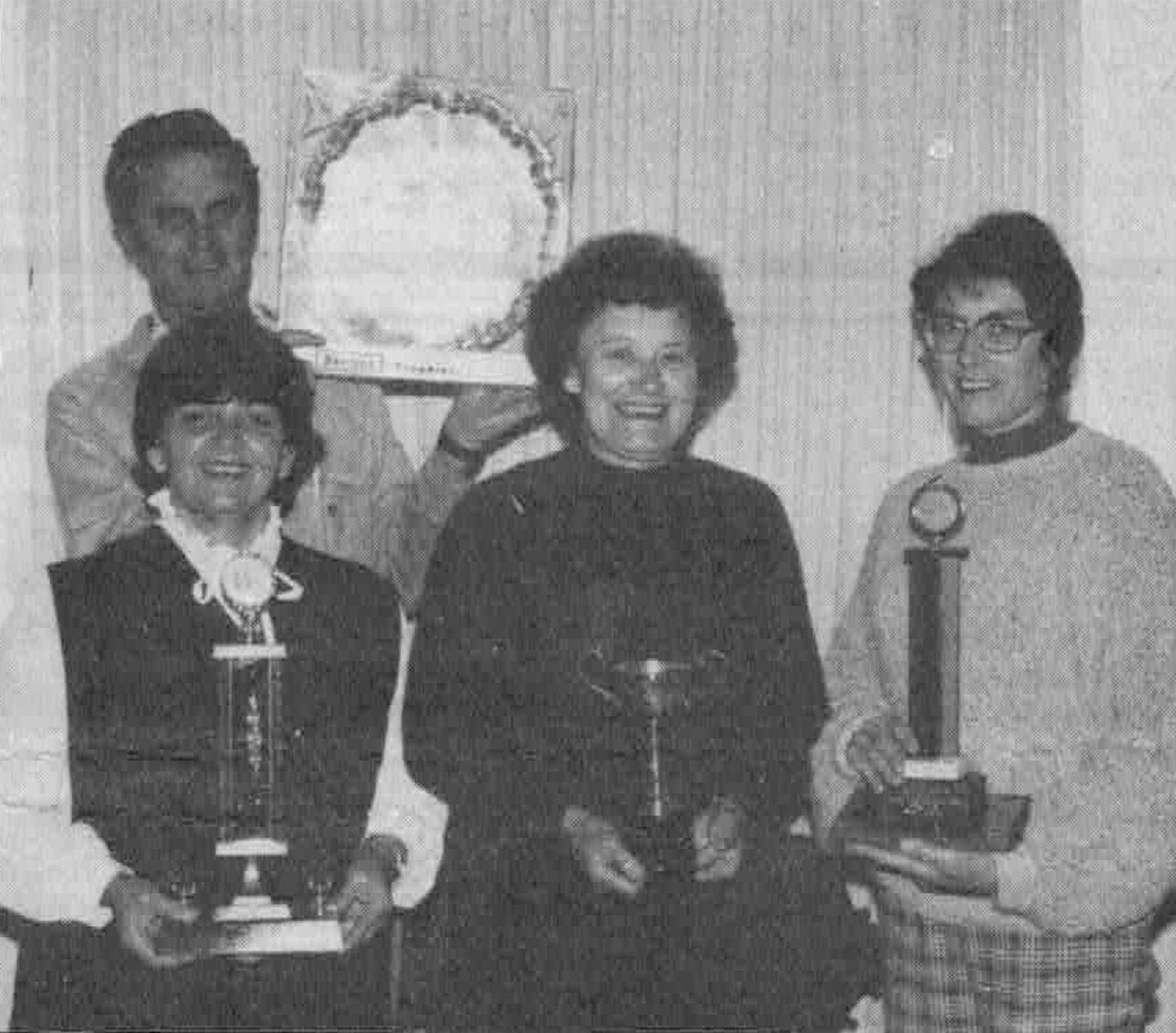 Setting up trophy display©TenterfieldStar1982